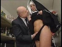 Schmutzig, Nonne