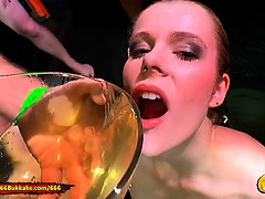 Claudia the Young extreme Piss lover - 666Bukkake