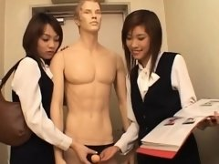 Businesswoman shows what that babe can do with her face hole