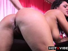 Hot Cock Sucking Babe