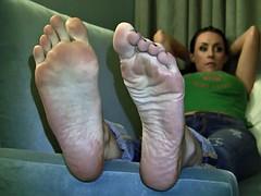 Big Feet, Long Toes