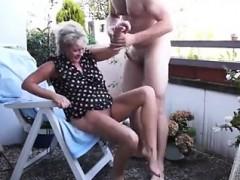 Минет, Одетые девушки голые парни, Секс без цензуры, Зрелые, На природе