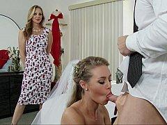 Blondine, Kleid, Familie, Frau frau mann, Hardcore, Pornostars, Flotter dreier, Hochzeit
