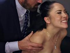In den arsch, Geschnappt, Doppelpenetration, Gruppensex, Interrassisch, Party, Pornostars, Ehefrau