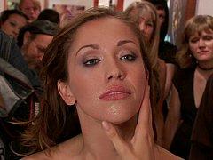 Brunette brune, Partouze, Groupe, Hard, Orgie, Public