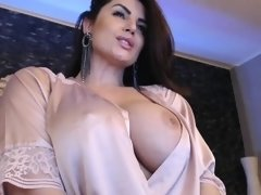 Big boobs babe webcam solo