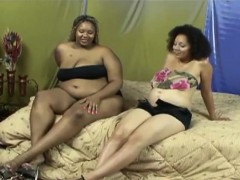 Two pregnant ebony lesbians get intimate with each other