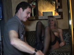 Hot pornstar squirt with cumshot