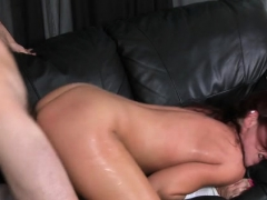 Dude getting his jock wet by a piece of milf booty