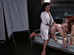 Doctor curing hiccups with anal fisting in threesome