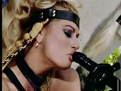 Bondage domination sadisme masochisme, Blonde, Doigter, Lesbienne, Léchez, Actrice du porno, Plan cul à trois, Jouets