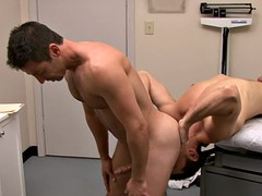 Lusty doctor gets nailed by his homosexual patient at work