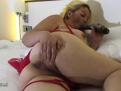 Fat titted ma playing with herself Gloria from 1fuckdatecom