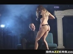 Brazzers - Brazzers Exxtra - Danny D Life On The Road scene starring Viola Bailey
