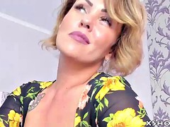 hot mature whore flashing on webcam show