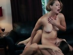 Les milf and busty babe