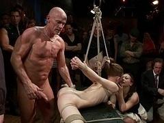 Bondage discipline sadomasochisme, Brutaal, Flexibiel, Groep, Onschuldig, Orgie, Straf, Vastgebonden