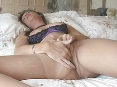 Rookie Wife In Ripped Pantyhose Loves Jacking off