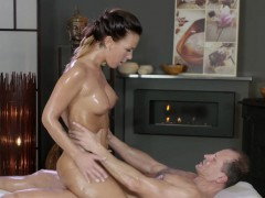 Perfect oiled brunette babe bangs masseur