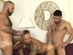 Latin bear dap with cumshot
