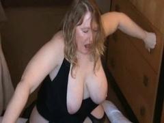 Big beautiful women Lindy's Sybian Ride