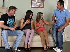 Amateur, Cul, Brunette brune, Groupe, Hard, Orgie, Fête, Réalité