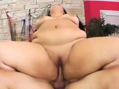 Vanessa Lee Gets Her Fat Pussy Banged