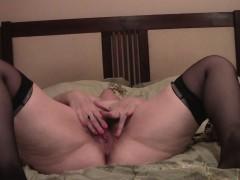 Plump solo senorita proudly shows her juicy buttocks