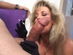 Sexually available mom bitch takes gives head a fella off