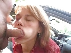 Newbie MILF Blow Job Outside Eats Cum