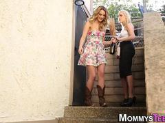 Lesbian milf squirted on