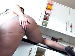 sexy mom montse swinger wants to get fucked on kitchen