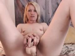 Chatty Webcam Girl Masturbating For You