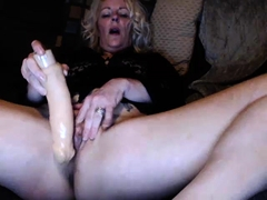 Blonde solo toying