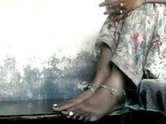 Indian foot fetish.. yummy feet