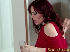 Pijpbeurt, Sperma shot, Hakken, Keuken, Pornster, Roodharige vrouw