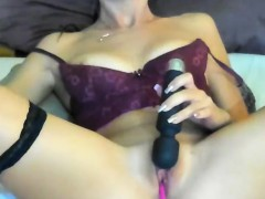 Squirt Cleanshaven Camgirl Makes Everything Wet