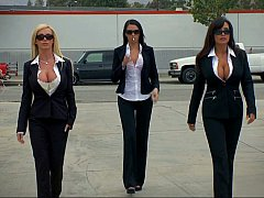 Amerikaans, Grote mammen, Pijpbeurt, Bruinharig, 1 man 2 vrouwen, Groep, Pornster, Strippen