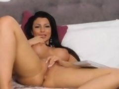 Gorgeous Sexy Babe Fingers Her Pussy Till It Gets Wet