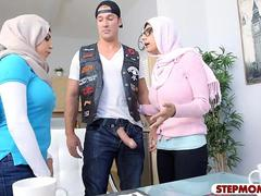 Arabe, Plantureuse, Mère que j'aimerais baiser, Pute, Adolescente, Plan cul à trois