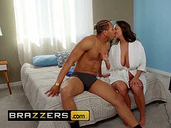 mother Got jugs - Ava Addams Ricky Johnson - Seduced By His